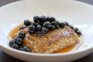 pan-seared oatmeal with blueberries