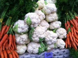 Cauliflower and carrots at farmer's market